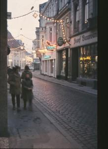 OL-Achternstrasse-Weihnachtsbeleuchtung-25.12.1957-G-NJ-St-W