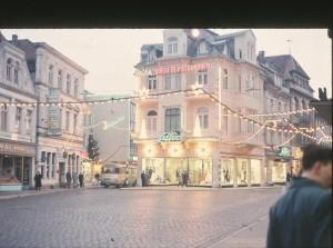 OL-Langestrasse-Lefferseck-Weihnachtsbeleuchtung-25.12.1957-G-NJ-St-W