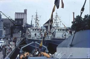OL-Stau-Hafen-Kran-Minensuchboote-01-14.06.1964-G-NJ-St-Mi-W