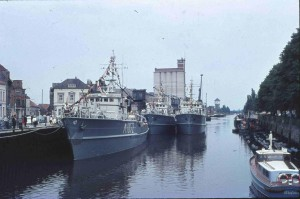OL-Stau-Hafen-Kran-Minensuchboote-02-14.06.1964-G-NJ-St-Mi-W